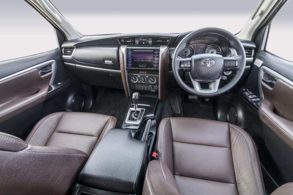 Toyota-Fortuner-GD6-2.4-4x4-AT-TMSA-Image-8interior